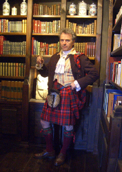 Lady Chrystel kilts from France  Fly plaid de face