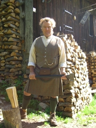 Lady Chrystel kilts from France Gilet et kilt en tweed